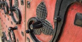Heinz Memorial Chapel red entrance doors